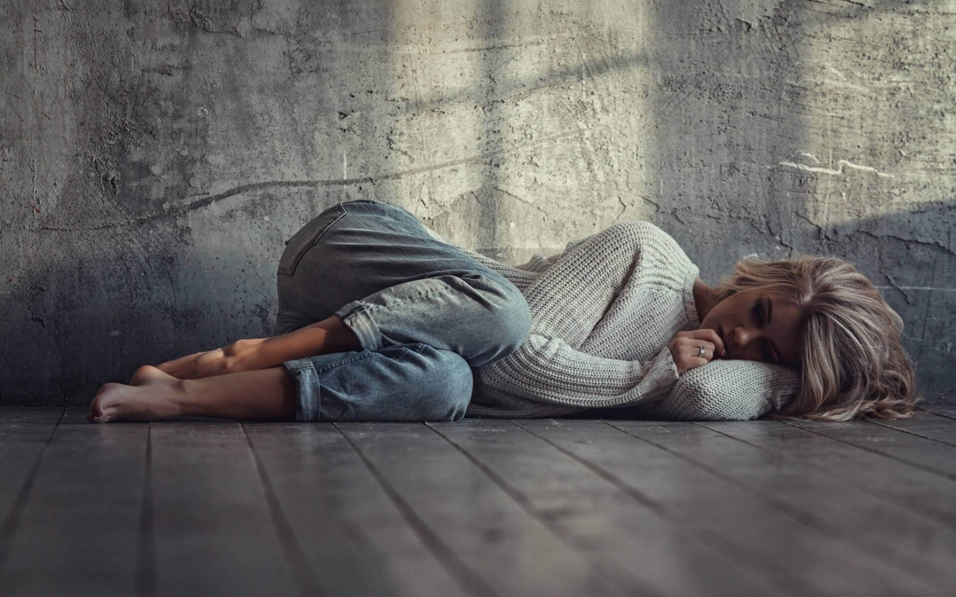 Причины депрессии и апатии: у подростков, у женщин, у мужчин ...